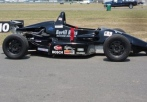 race a formula 2000 race car